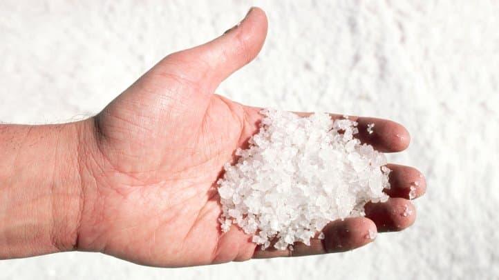 Одним из самых ценных благотворных эффектов соли и грязи Мертвого моря является профилактика и облегчение симптомов псориаза.